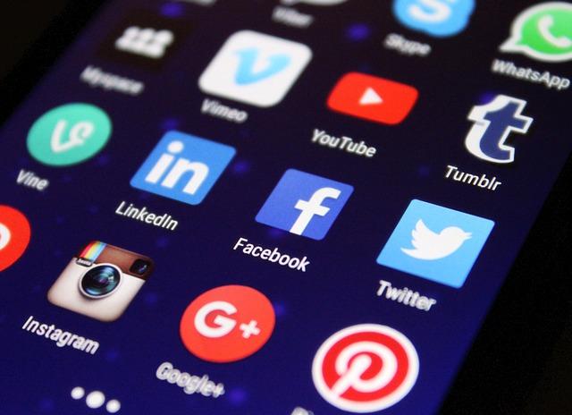 aplikace sociálních sítí.jpg