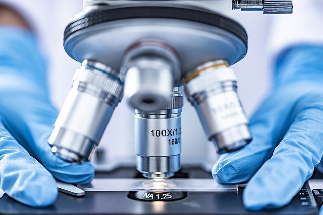 mikroskop - detail.jpg